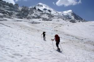 Es camina prou bé pel glaciar, sense masses complicacions